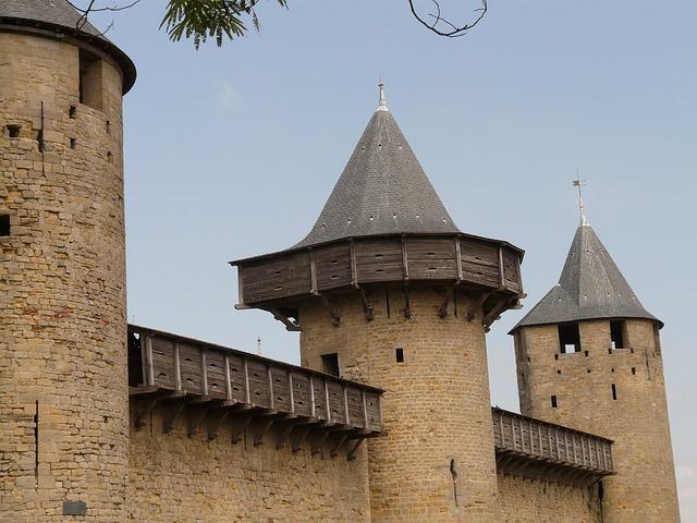 castle-9227_640
