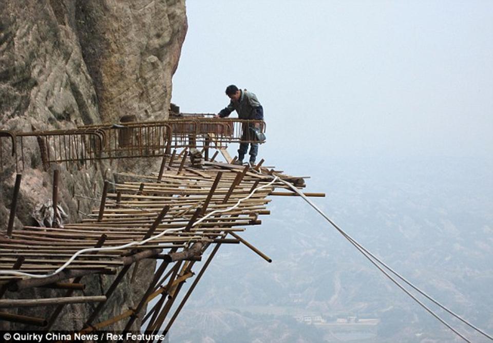 construcao-ponte-vidro-china