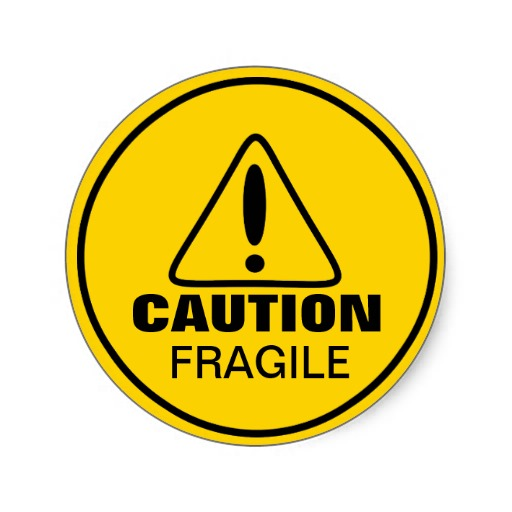 sinal_do_cuidado_fragil_adesivo_redondo-r04bcbe9a495a49f8b86c4e5a49142c99_v9waf_8byvr_512