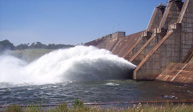 640px-Represa_Hidroeléctrica_del_Yguasu (1)