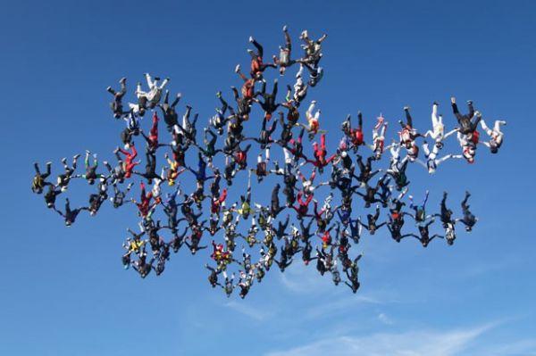 americanos-batem-recorde-de-salto-simulta-neo-de-paraquedas110da04be6a5fc701102c3bda0353a5d