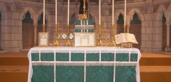 O Altar da Igreja como canal de comunicação de massa na Idade Média
