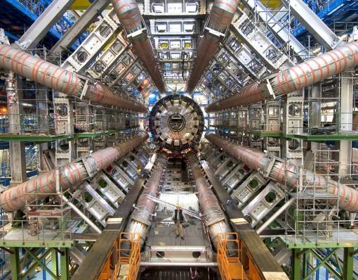 centro-large-hadron-collider2