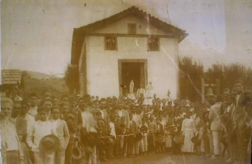 Atirado_Igreja_Antiga
